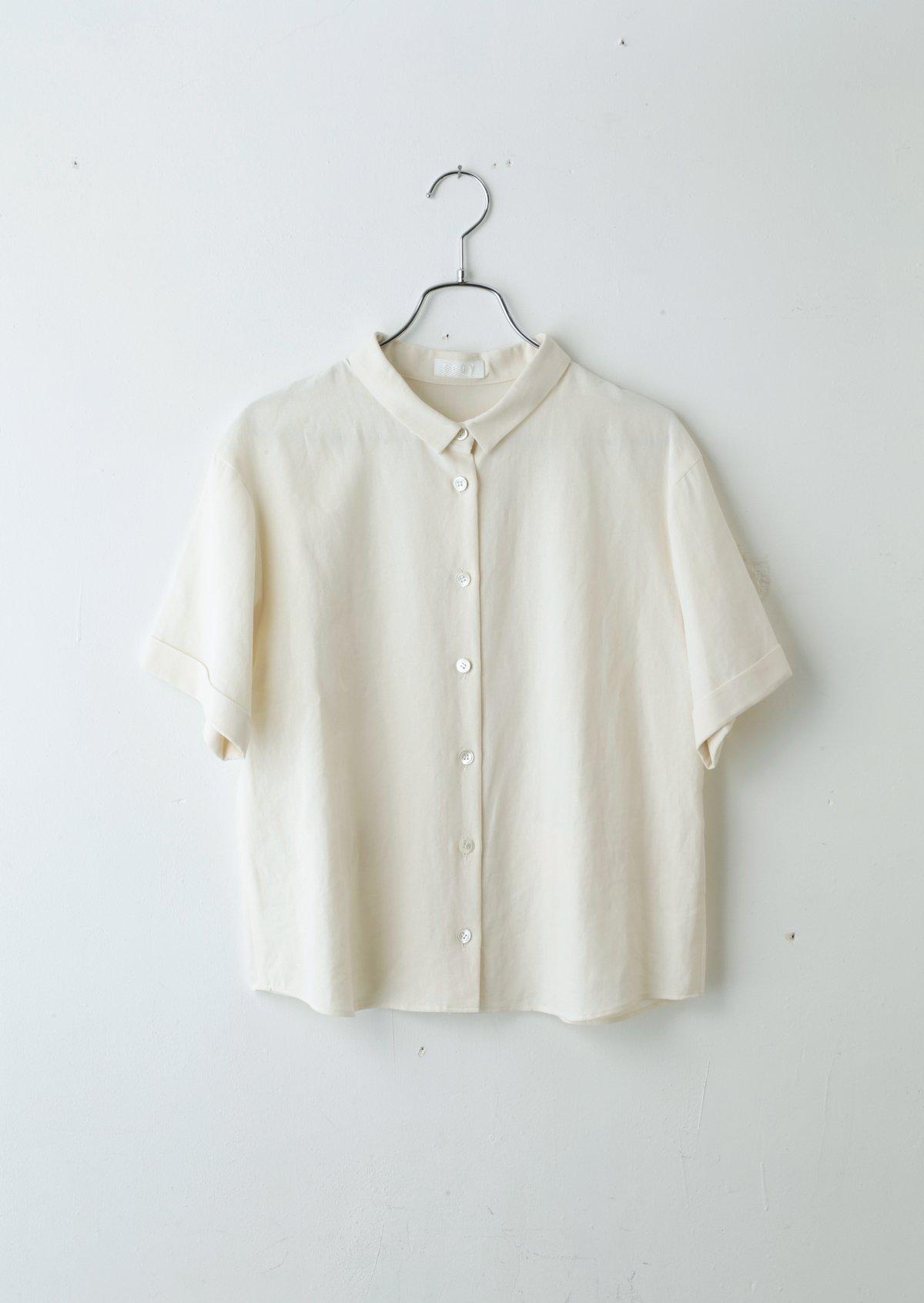 テールシャツ