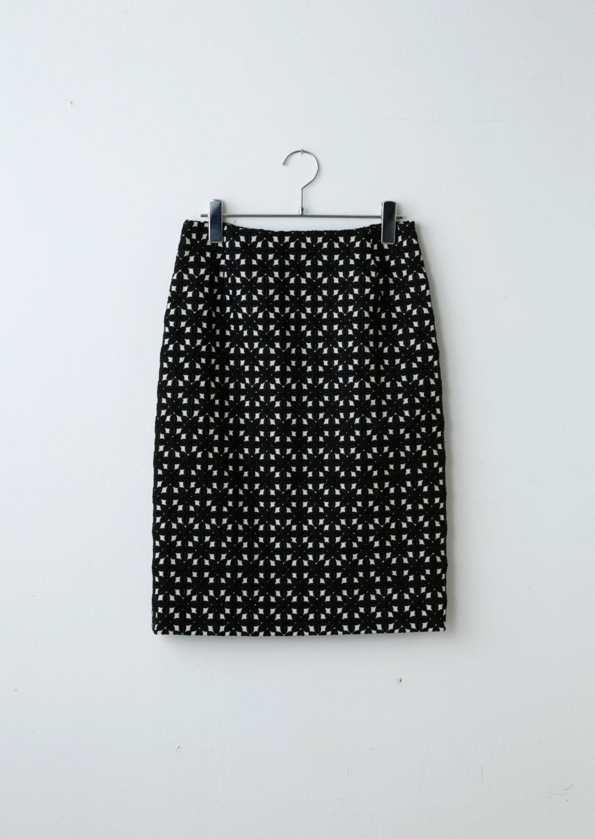 ペタルスカート