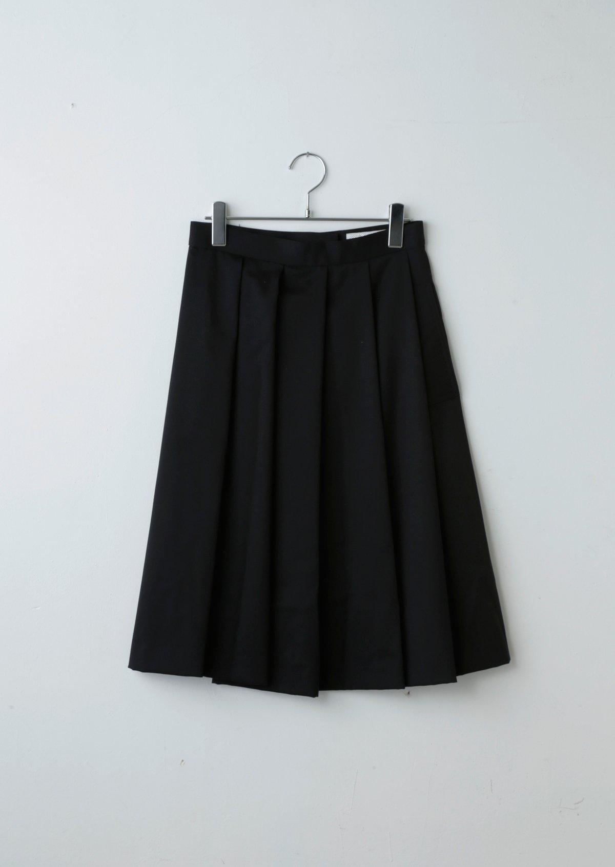 ハーフプリーツスカート