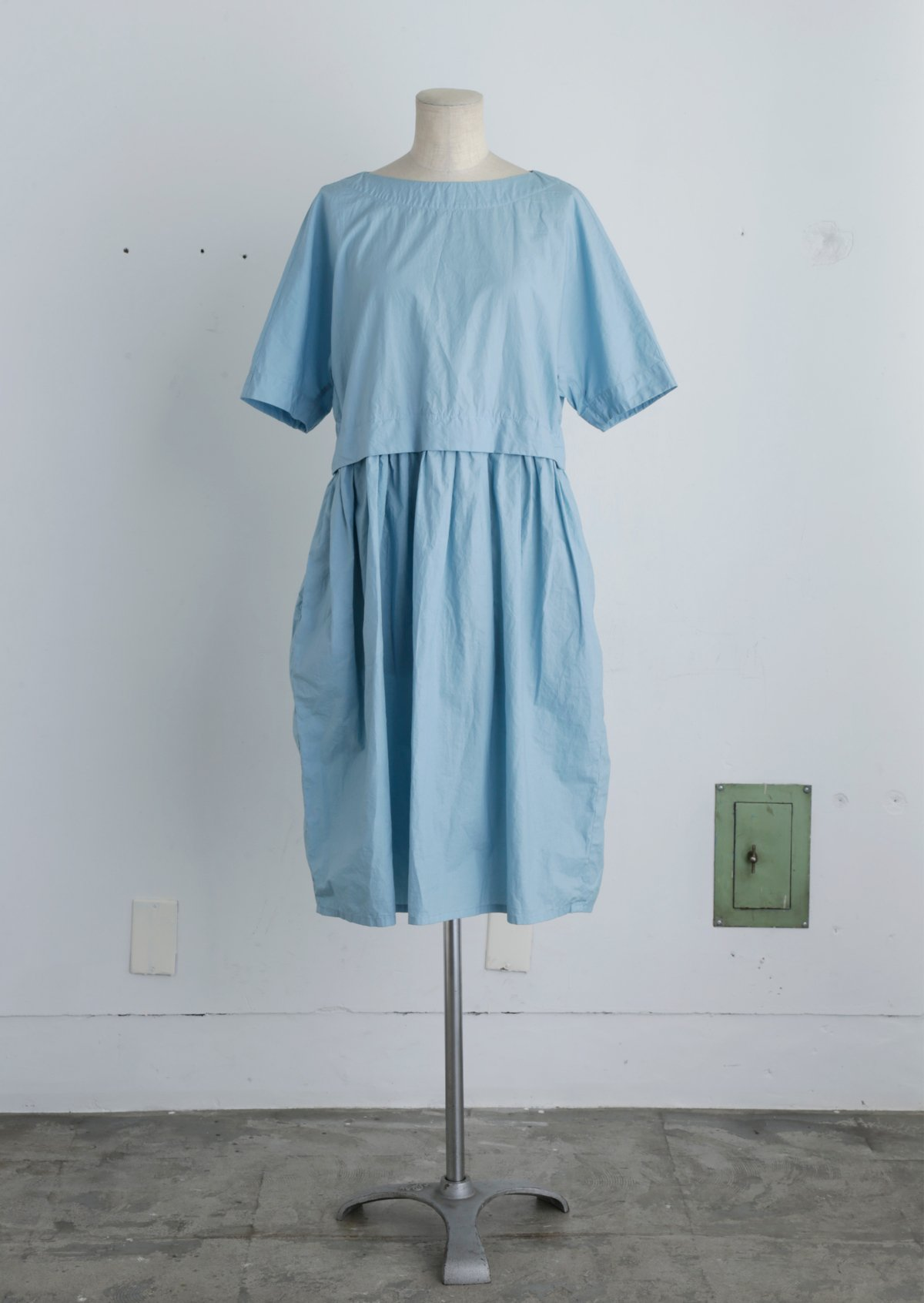 サックドレス