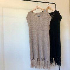 SELECT fringe knit vest<img class='new_mark_img2' src='https://img.shop-pro.jp/img/new/icons16.gif' style='border:none;display:inline;margin:0px;padding:0px;width:auto;' />