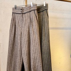 TODAYFUL Stripe Wide Trousers<img class='new_mark_img2' src='https://img.shop-pro.jp/img/new/icons16.gif' style='border:none;display:inline;margin:0px;padding:0px;width:auto;' />