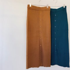 SELECT buttondown color knit skirt<img class='new_mark_img2' src='https://img.shop-pro.jp/img/new/icons16.gif' style='border:none;display:inline;margin:0px;padding:0px;width:auto;' />