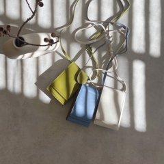 SELECT multi mobile pouch