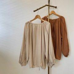 SELECT hasigo lace volume blouse