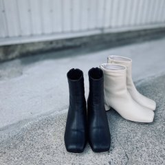 SELECT square short boots
