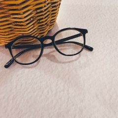 SELECT classic glasses