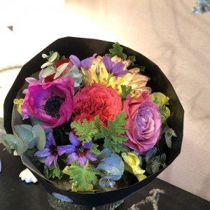 静岡の花屋 ももはな 季節の花でお任せ花束 bouquet elegant 3000円~