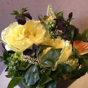 静岡の花屋 ももはな 季節の花でお任せアレンジメント arrangement bright 3500円~