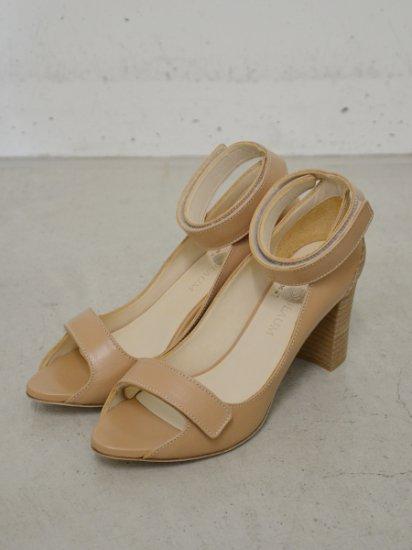 PETROSOLAUM velcro sandal(beige)
