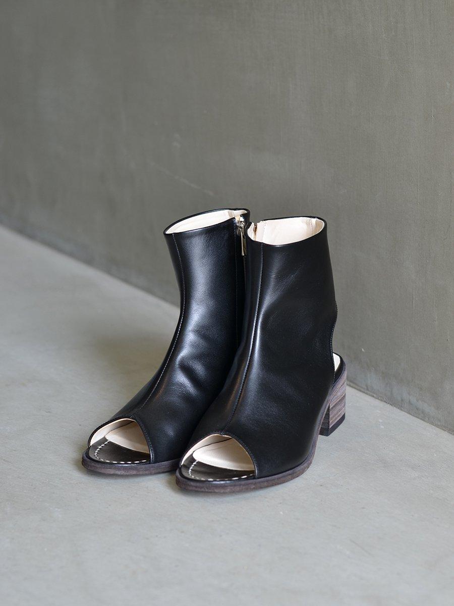 PETROSOLAUM Side Zip Boots Sandal(Black)