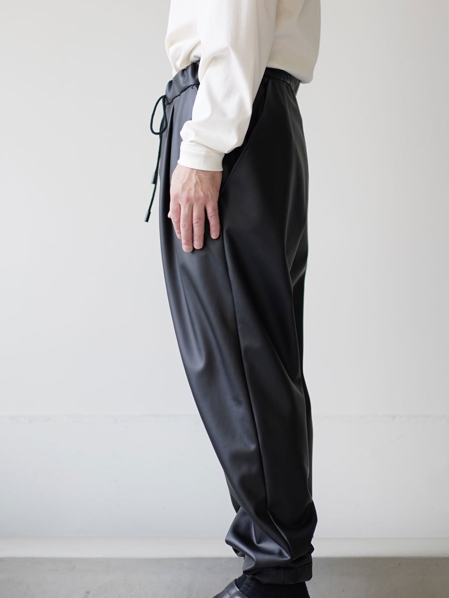 THE RERACS SYNTHETIC LEATHER EASY PANTS