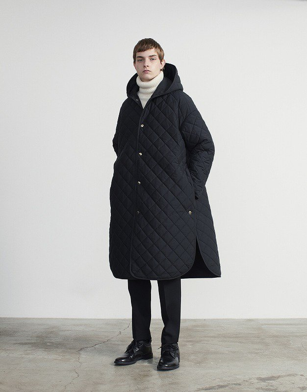 THE RERACS HOODED LONG QUILTING COAT