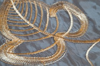 【生地】端切れ*葉模様 金刺繍 チュール 布地 カーテン 50〜100cm×280cm 白 輸入生地