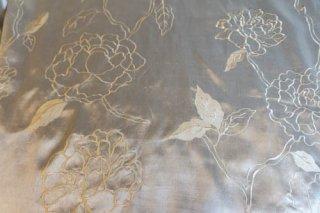 【生地】花刺繍サテン布地 牡丹模様 160cm×780cm オフホワイト 光沢あり高級輸入生地