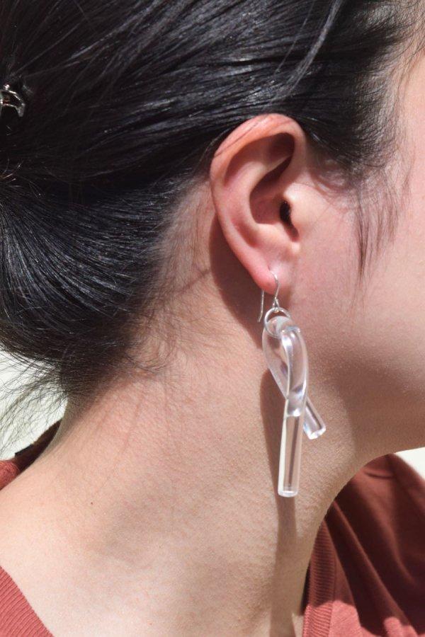 COREY MORANIS / LOOP EARRINGS / CLEAR