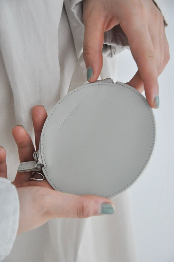 COSMIC WONDER / LIGHT LEATHER CIRCLE COIN CASE / GRAY
