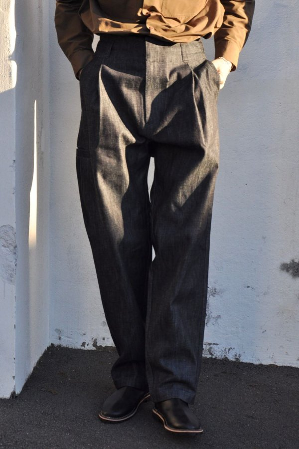 UNTITLED COLECTIVE / DENIM TUCK TROUSERS / INDIGO