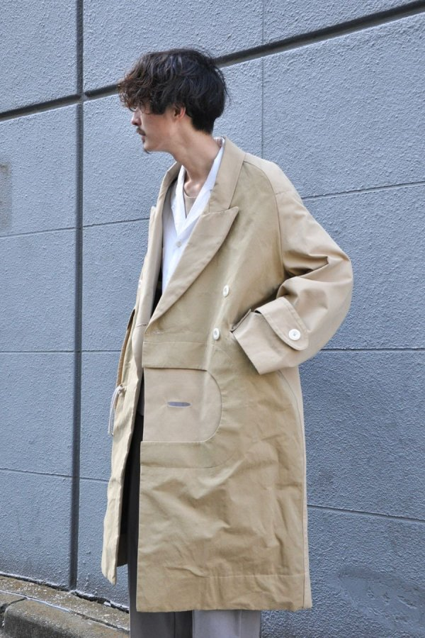 MAI GIDAH / Kneelength Double-breasted Coat with handprinted envelope insert / just sand