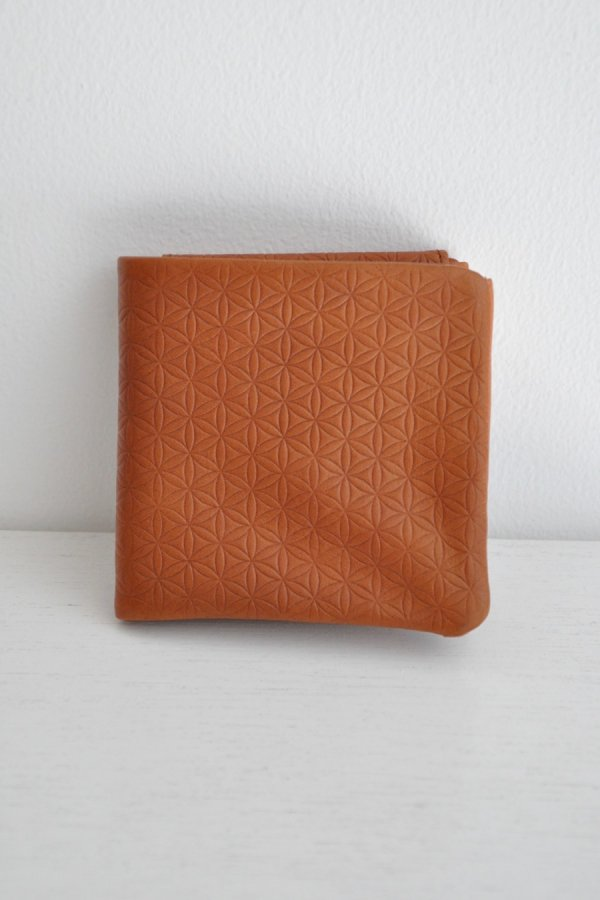 COSMIC WONDER / Naturally tanned leather bifold wallet / BROWN