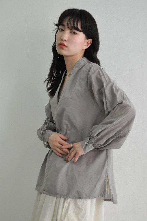 COSMIC WONDER / Beautiful silk cotton v-necked shirt / VIOLET ASH