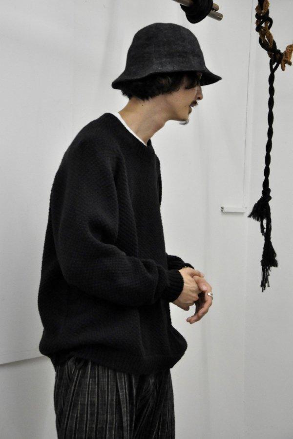 JAN JAN VAN ESSCHE / LOOSE FIT CREW NECK JUMPER KNITTED / PITCH BLACK MERICHAN