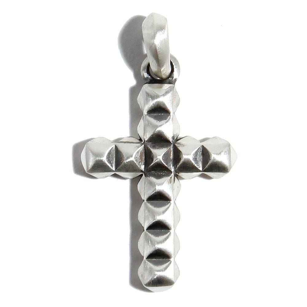 SURROUND STUDS CROSS
