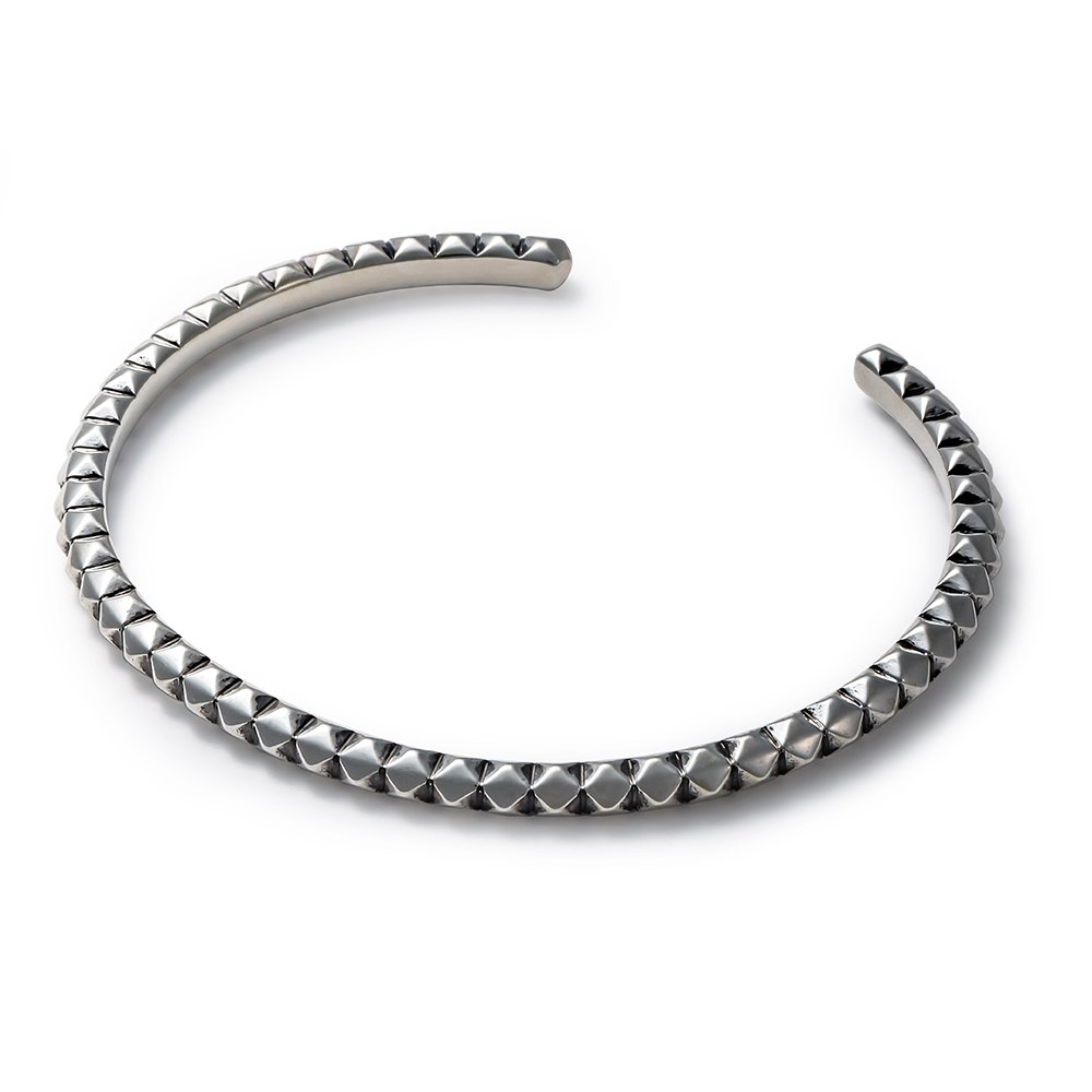 SURROUND STUDS BANGLE