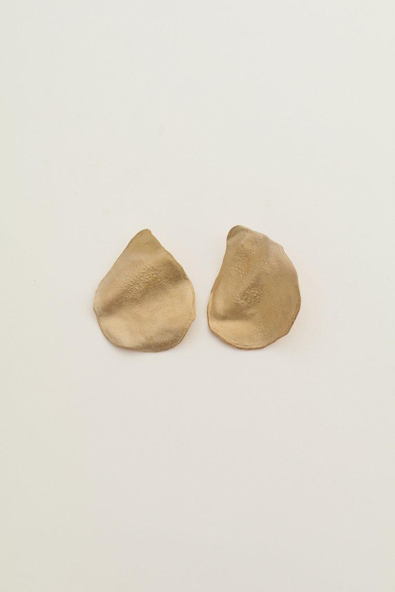 Irregular shape single earrings (gold)