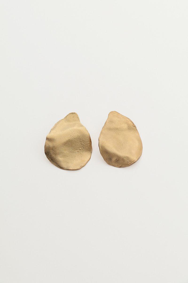 Irregular shape single pierce (Gold)