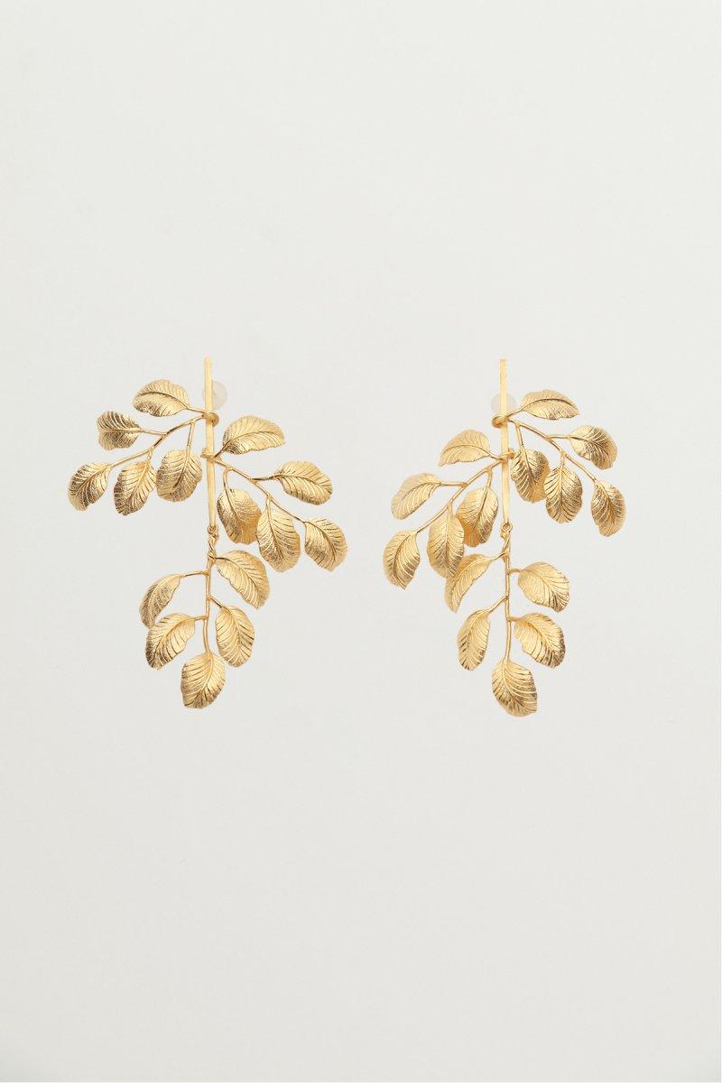 Leaf motif earrings