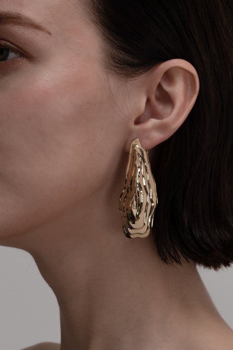Ripple shape earrings