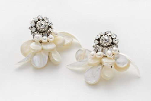 bouquet blanc earring