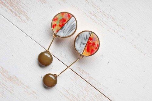bouton earrings