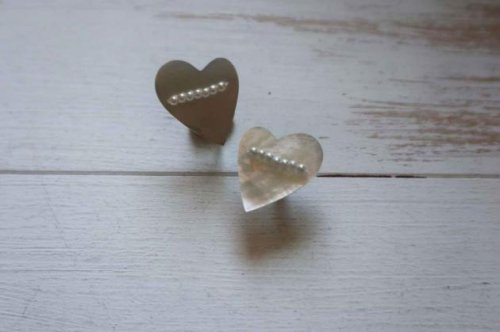 heart shell earring