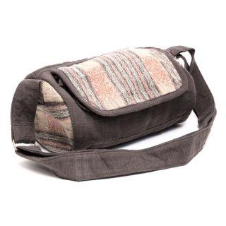 ナガ族刺繍のドラム型バッグ