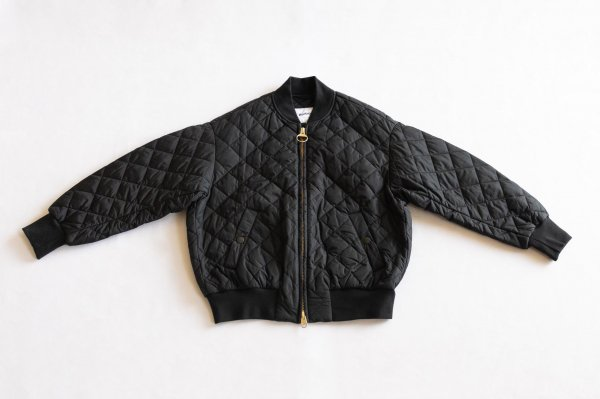 <img class='new_mark_img1' src='https://img.shop-pro.jp/img/new/icons1.gif' style='border:none;display:inline;margin:0px;padding:0px;width:auto;' />Barbour [バブアー]  レディース キルトボンバージャケット BLACK