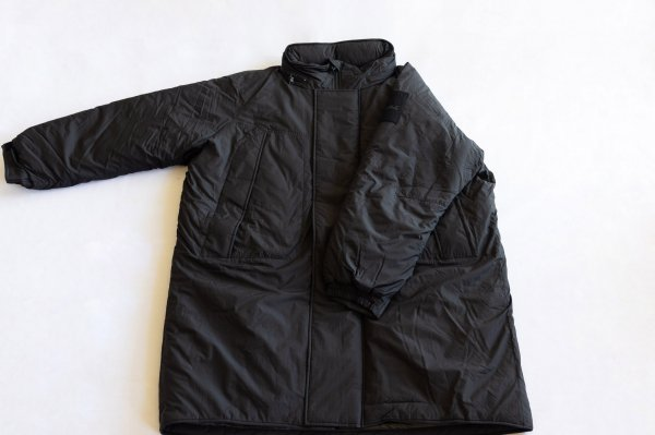 <img class='new_mark_img1' src='https://img.shop-pro.jp/img/new/icons1.gif' style='border:none;display:inline;margin:0px;padding:0px;width:auto;' />WILD THINGS MONSTER PARKA  BLACK