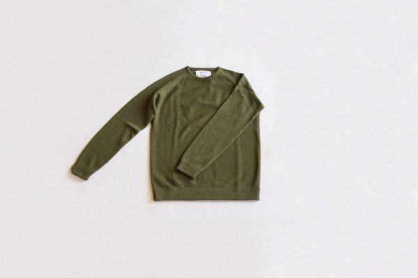<img class='new_mark_img1' src='https://img.shop-pro.jp/img/new/icons1.gif' style='border:none;display:inline;margin:0px;padding:0px;width:auto;' />snow peak × The Inoue Brothers (Raglan Crew Neck Knit Sweater Khaki)