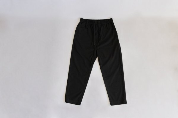 White Mountaineering(ホワイトマウンテニアリング)TAPERED CROPPED PANTS(BLACK)