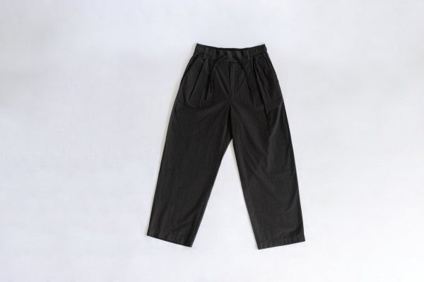 White Mountaineering(ホワイトマウンテニアリング)2 TUCKED WIDE PANTS(BLACK)