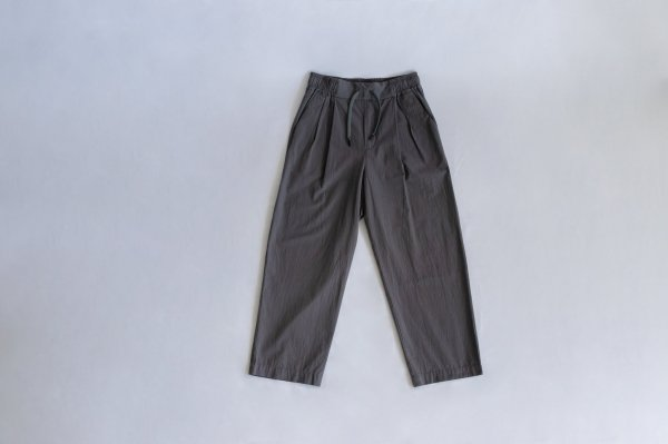 White Mountaineering(ホワイトマウンテニアリング)2 TUCKED WIDE PANTS(GRAY)