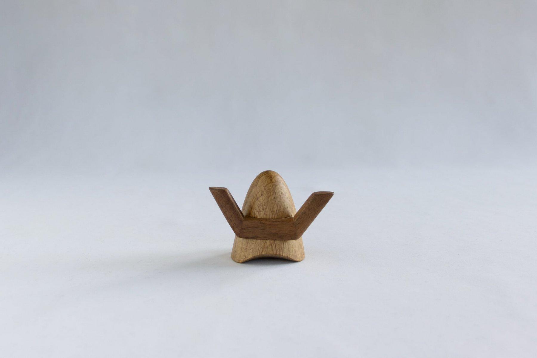 木の兜飾り 両角-1
