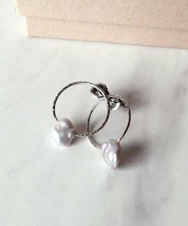 Gray pearl×Platinum plated Pierce