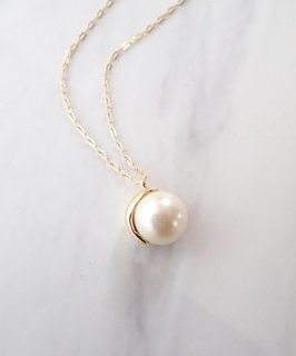 Metal glass pearl necklace