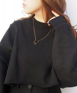 Design line necklace