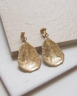 Metal earring