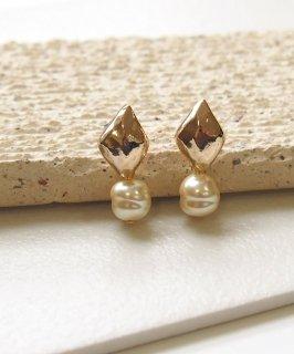 Glass pearl pierce