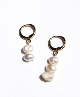 Freshwater pearl pierce -asymmetry-