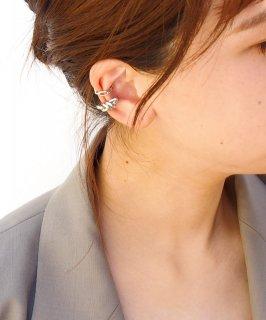Set metal ear cuff